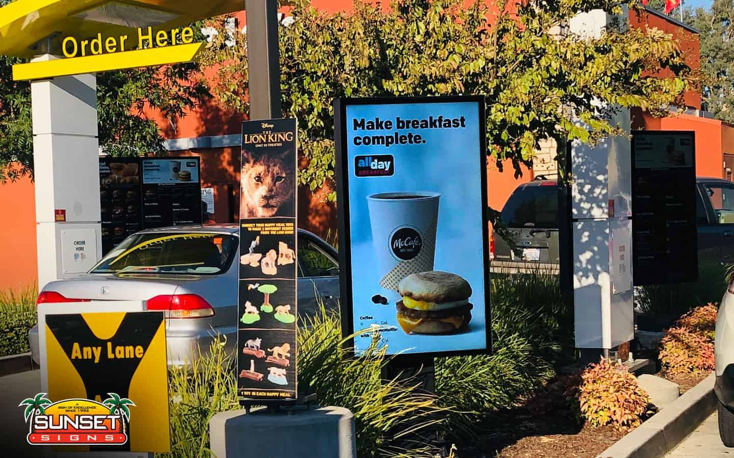 Exterior Digital Display Signs for Businesses